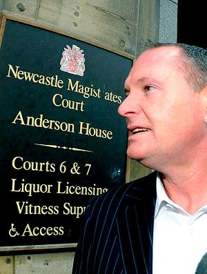 Paul Gascoigne dirigir alcoolizado bêbado Inglaterra