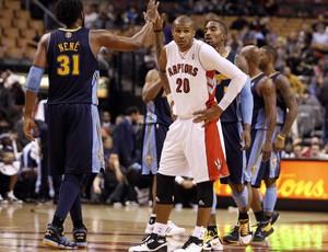 Nenê e Leandrinho foram destaques no duelo entre os Nuggets e os Raptors