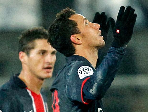 Nenê comemora gol do PSG contra o Valenciennes