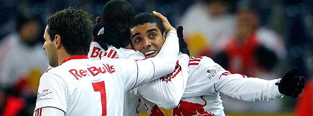 Alan comemora gol do Salzburg contra o Sturm Graz (Foto: Reuters)