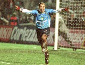 Marcos comemora título do Palmeiras na Libertadores 1999 (Foto: Divulgação / Site Oficial)