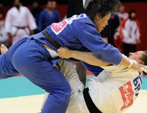 Mayra Aguiar perde para Xiuli Yang no Grand Slam do Japão