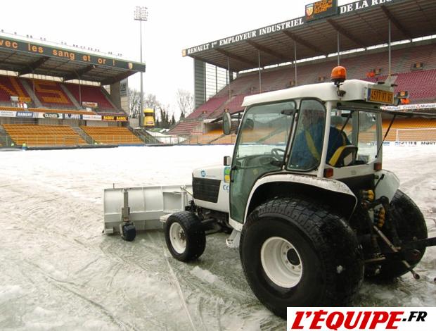 estádio lens campo neve jogo adiado