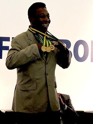 pele ricardo teixeira cbf medalhas troféu unificação dos títulos brasileiros