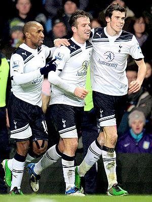 Tottenham x Aston Villa - Van der Vaart, Gareth Bale (Foto: agência Getty Images)