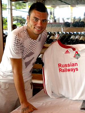 Rodolfo Lokomotiv moscou entrega camisa ao tricolor thiago mendonça