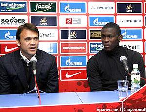 Petkovic na apresentação do Borja no Estrela Vermelha
