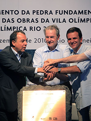 Sergio Cabral, Jacques Rogge e Eduardo Paes no evento do Rio 2016