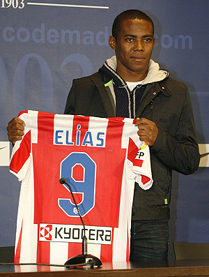 Elias é apresentado no Atlético de Madrid