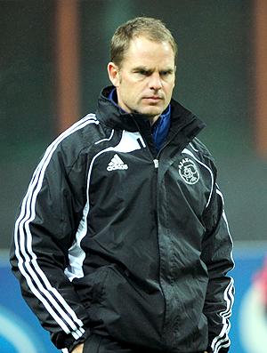 Frank De Boer no treino do Ajax (Foto: AFP)