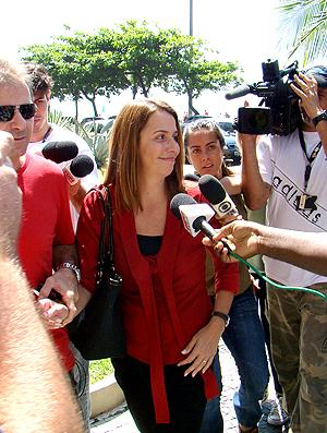 Patrícia Amorim chegando para reunião com Ronaldinho Gaúcho (Foto: Eduardo Peixoto / Globoesporte.com)