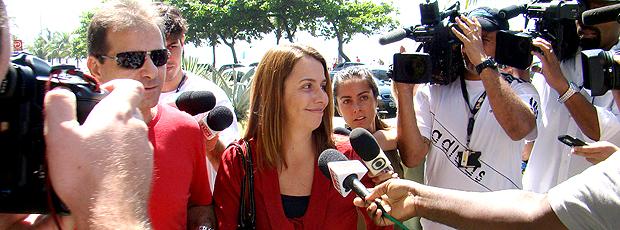Patrícia Amorim chegando para reunião com Ronaldinho Gaúcho