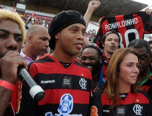 Ronaldinho Gaúcho é arma forte para o marketing do Fla