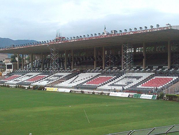 cadeiras sociais do estádio São Januário do Vasco (Foto: Felippe Costa / GLOBOESPORTE.COM)