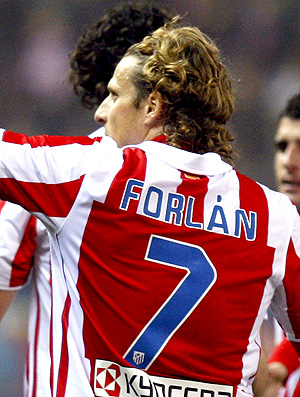 forlan atlético de madrid gol Mallorca (Foto: agência EFE)