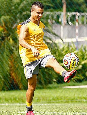 Maikon Leite no treino do Santos