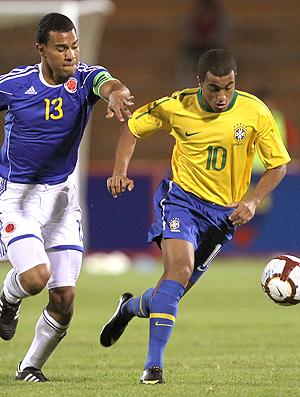 Lucas na partida do Brasil contra a ColÔmbia