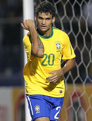 Willian comemora gol do Brasil contra a Colômbia