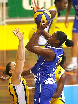 basquete Mikaela