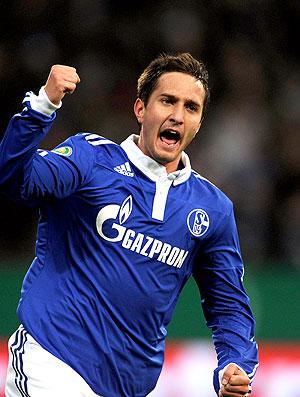 Mario Gavranovic comemora gol do Schalke contra o Nuremberg