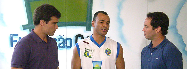 Cafu participa do Futebol Social Clube