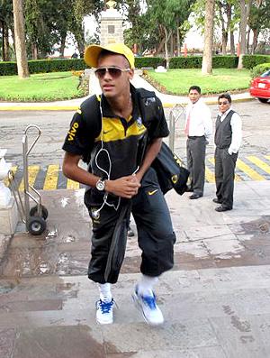 neymar brasil sub-20 chegada a arequipa