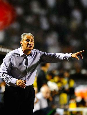Tite na partida do Corinthians contra o Tolima (Foto: Marcos Ribolli / GLOBOESPORTE.COM)