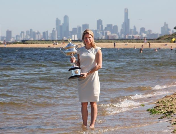 Kim Clijsters trofeu praia Melbourne Australia
