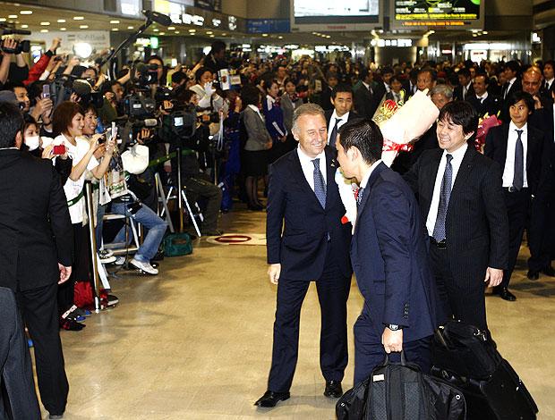 equipe do Japão é recebida com festa após título da Copa da Ásia