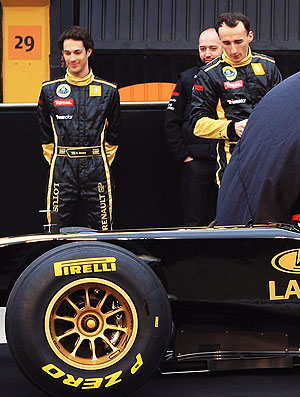 Bruno Senna no lançamento do carro da Lotus Renault (Foto: Getty Images)