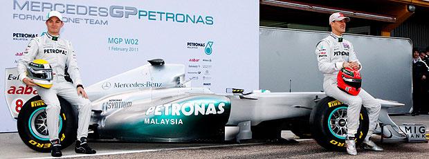 Schumacher e Rosberg na apresentação do carro da Mercedes
