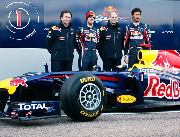 Vettel e Webber na apresentação do carro da RBR