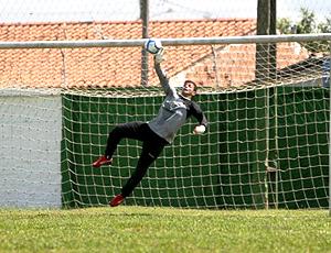 goleiro Diego no treino do Ceará