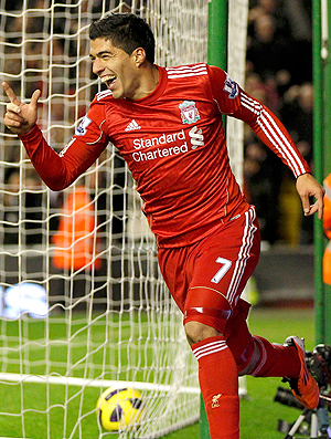 Suarez gol Liverpool (Foto: Reuters)