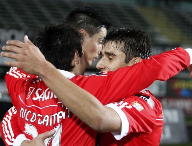 Gaitán comemora gol do Benfica (Foto: Reuters)