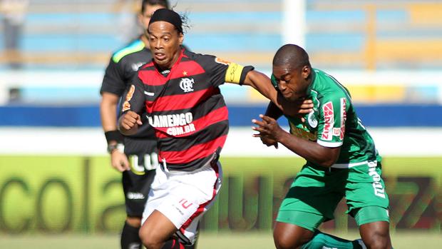 Ronaldinho marca na dura vitória do Fla sobre Boavista (Mauricio Val / VIPCOMM)