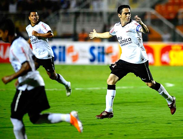 Chicão gol Corinthians (Foto: Marcos Ribolli / Globoesporte.com)