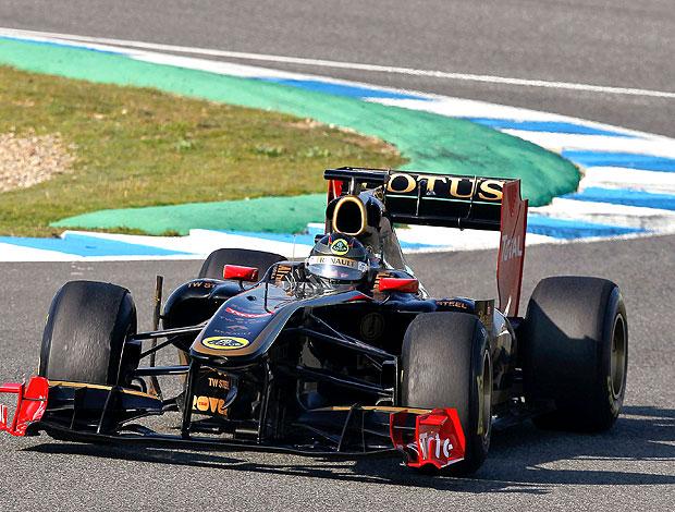 Nick Heidfeld no treino da Renault-Lotus (Foto: EFE)