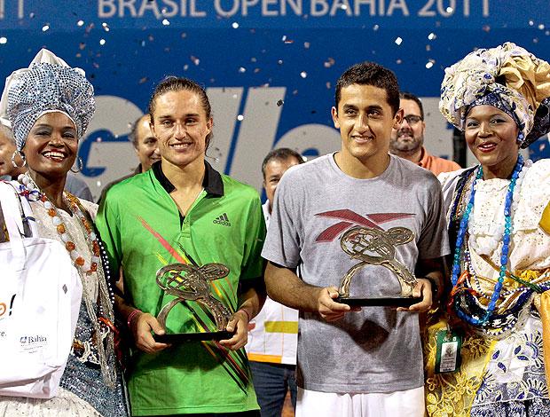 Nicolás Almagro tênis Alexandr Dolgopolov Aberto do Brasil open troféu final (Foto: Douglas Daniel/Divulgação)