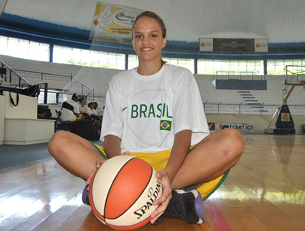 seleção basquete feminino, izabela (Foto: João Gabriel Rodrigues/Globoesporte.com)