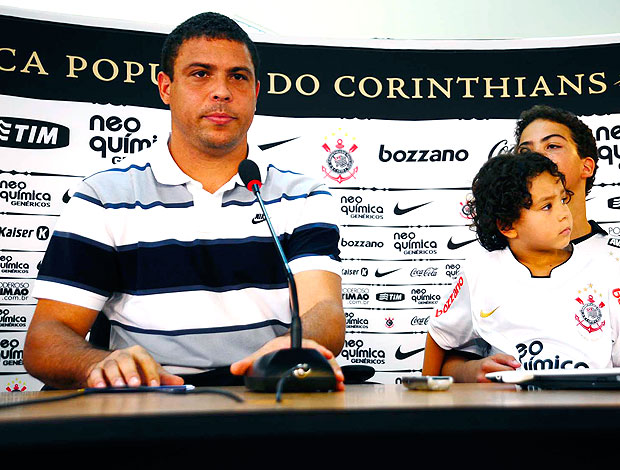 O ADEUS DE RONALDO FENOMENO... Ronaldo_coletiva_rib_60