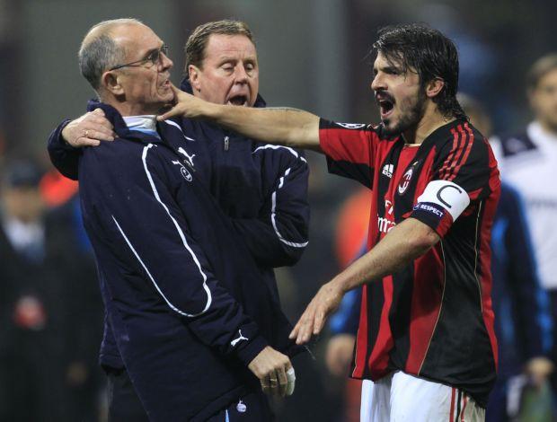 Gattuso discute com comissão técnica do Tottenham (Foto: Reuters)