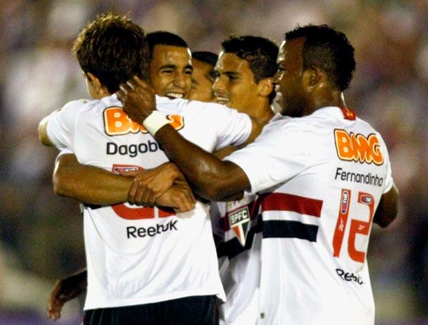 Dagoberto comemora gol do São Paulo (Foto: Agência Estado)