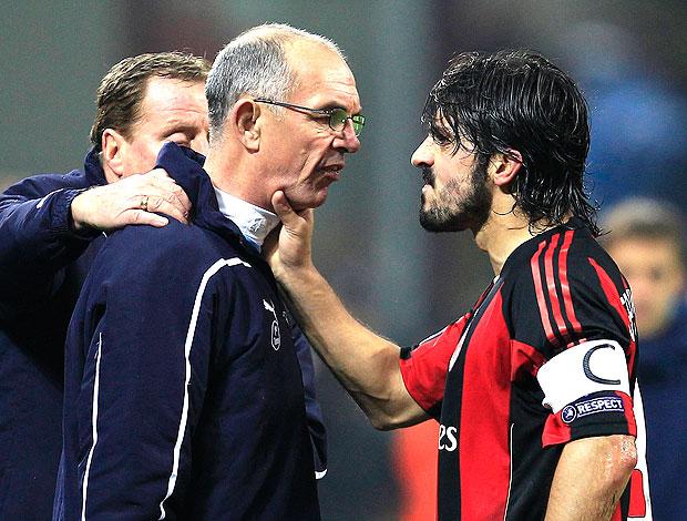 Gattuso agride o técnico Joe Jordan (Foto: Reuters)