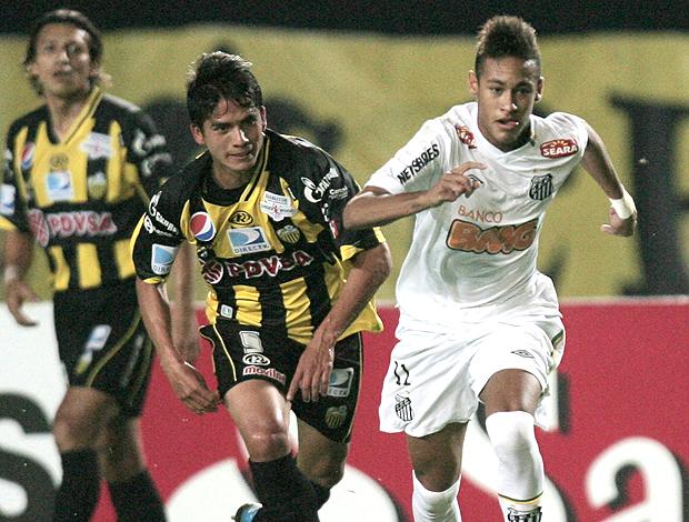 Neymar Santos x Dep. Tachira (Foto: EFE)