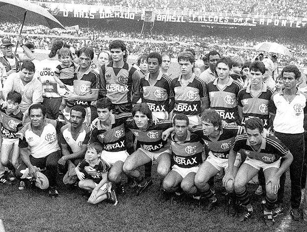 time do Flamengo de 1987 posado (Foto: Reprodução)