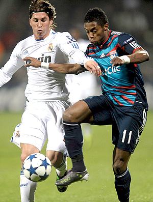 Sergio Ramos Real Madrid Michel Basto Lyon (Foto: Reuters)