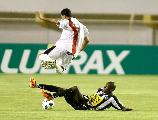 Botafogo x River Plate-SE (Foto: Ag. Estado)