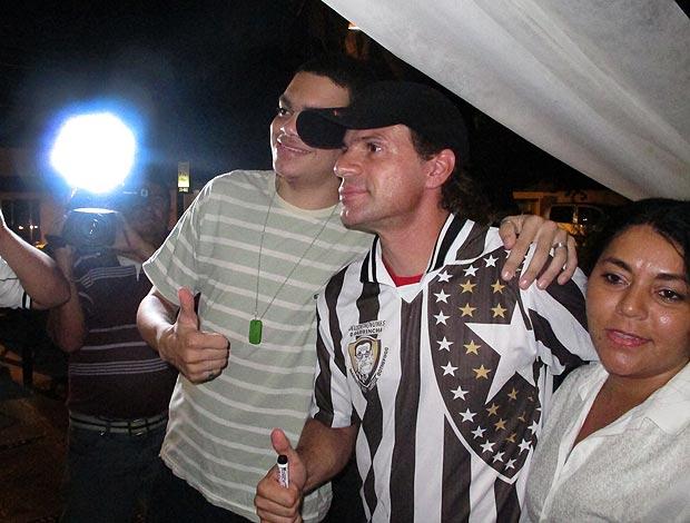 Túlio Maravilh fãs foto (Foto: Diego Ribeiro/Globoesporte.com)