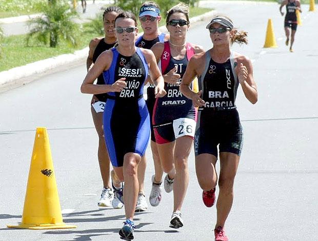 Carolina Furriela Carolina Galvão Fernanda Garcia triatletas brasileiras (Foto: Divulgação)